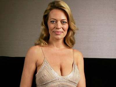 Actress Jeri Ryan Sexy Wallpapers Gallery