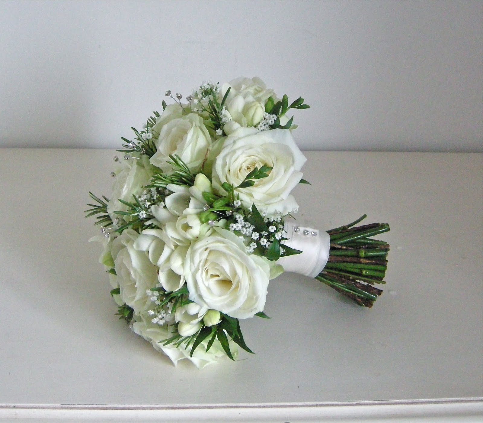 Wedding flowers blog emma 39 s green and white wedding flowers burley manor - Flowers good luck bridal bouquet ...