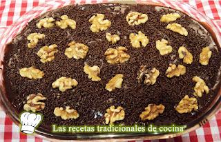 Receta de tarta de chocolate con galletas