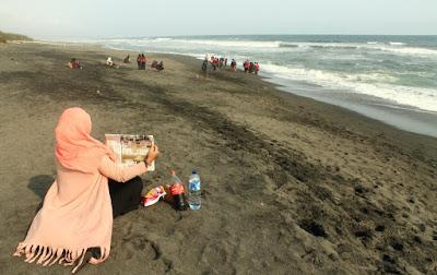 Camping Ground Pantai Goa Cemara dari Bibir Pantai hingga Ketinggian