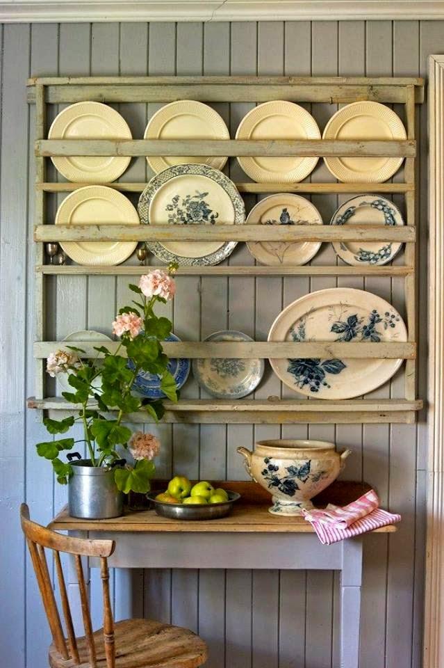 Detalhes do c u porta pratos na parede for Mueble para cristaleria