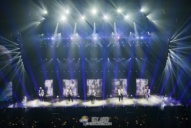 Mist. Lights. BIGBANG