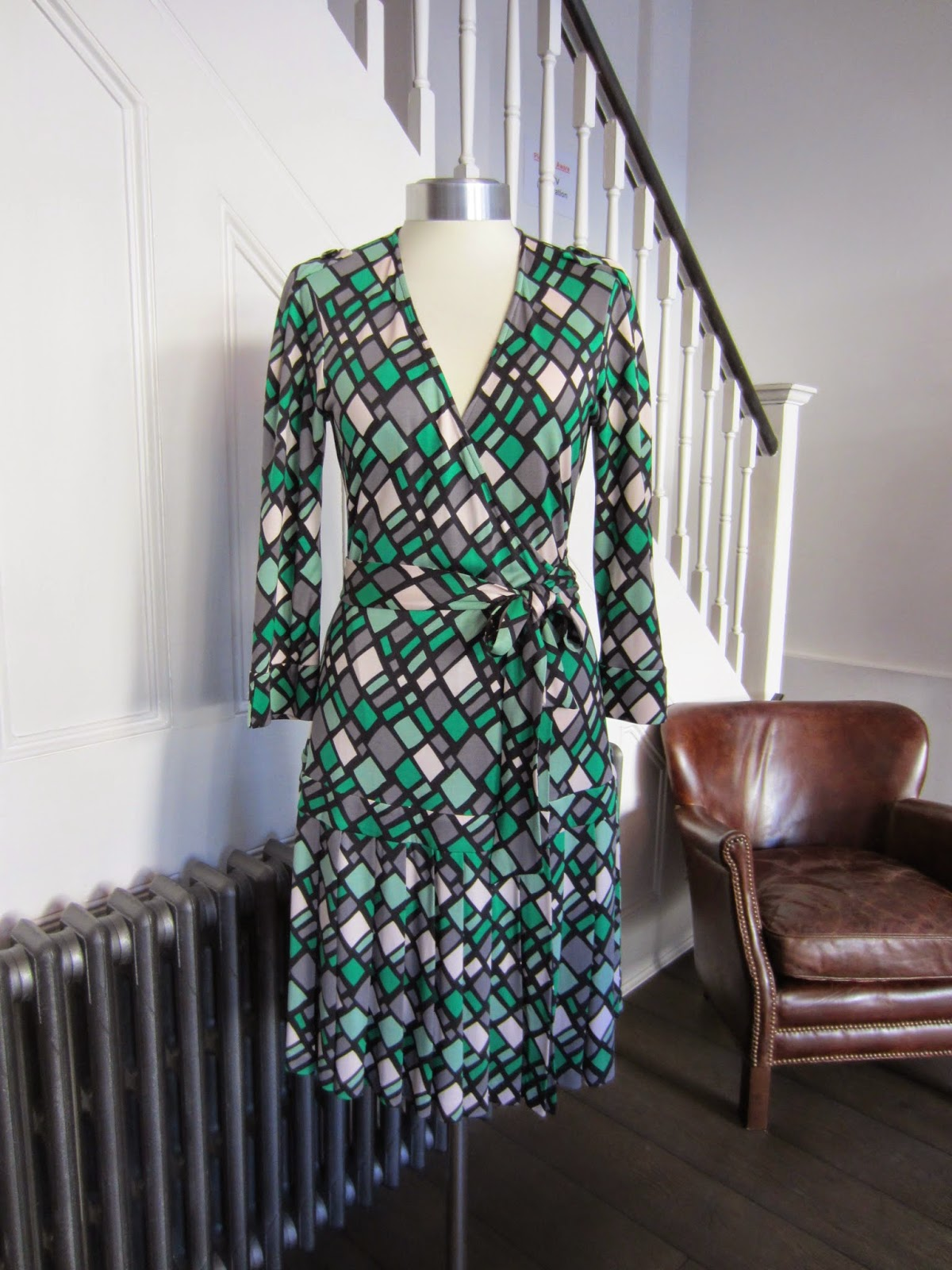 Diane Von Furstenberg Green/Black Silk Wrap Dress
