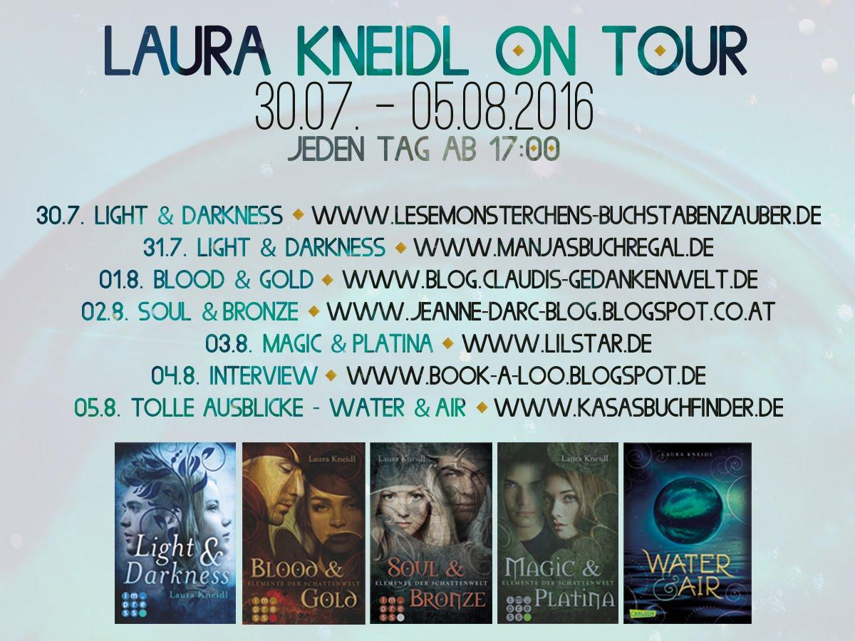 Laura Kneidl on Tour