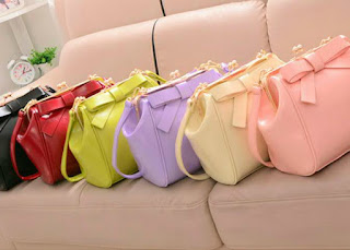 http://www.aliexpress.com/item/2014-bag-clip-bow-handbag-shoulder-bag-summer-trend-of-the-women-s-bags/32210262024.html