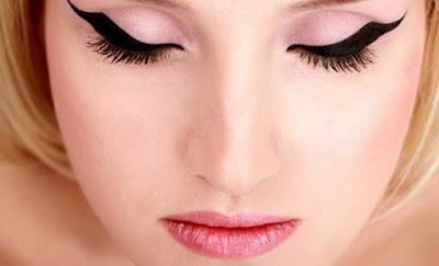 Cara Memakai Eyeliner Mudah Digunakan Beberapa Menit