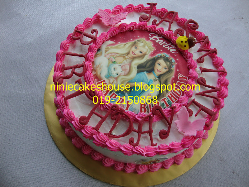 ninie cakes house: Barbie Edible Image Red Velvet Cake