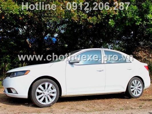 Cho thuê xe 4 chỗ Kia Forte giá rẻ tại Hà Nội