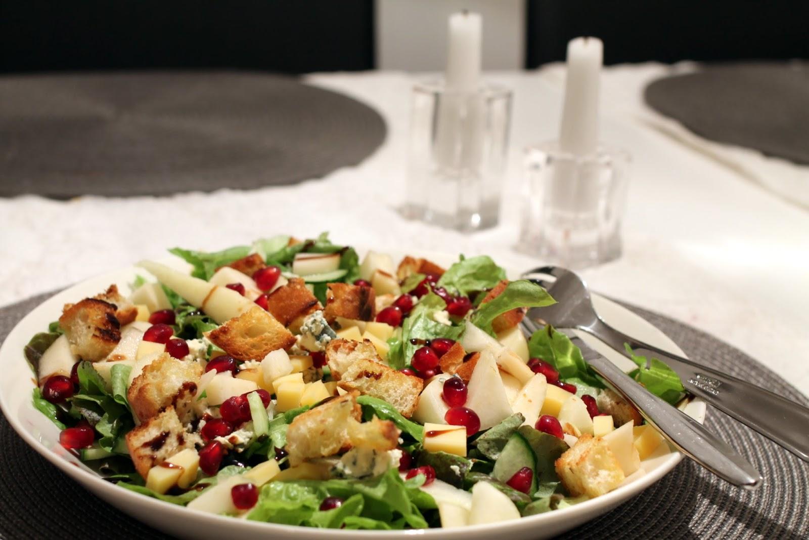 homejuusto-päärynäsalaatti