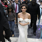 Sonam Kapoor Showcasing Her Deep Cleavage At 'Players' Dubai Premiere.