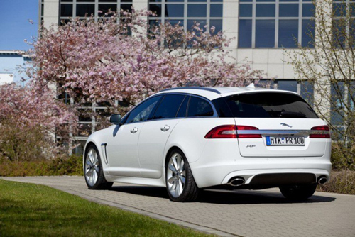Auto Z Jaguar XF Luxury Sports Car Elegant Practical And A Real