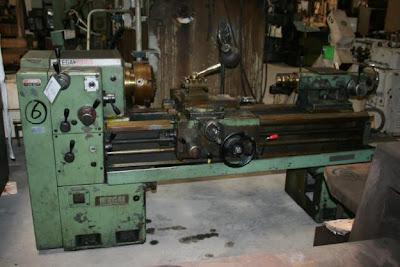 Gambar mesin bubut manual