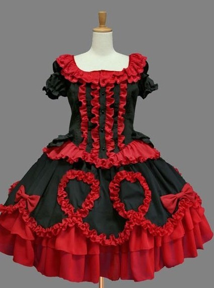 red and black ruffled gothic lolita dress