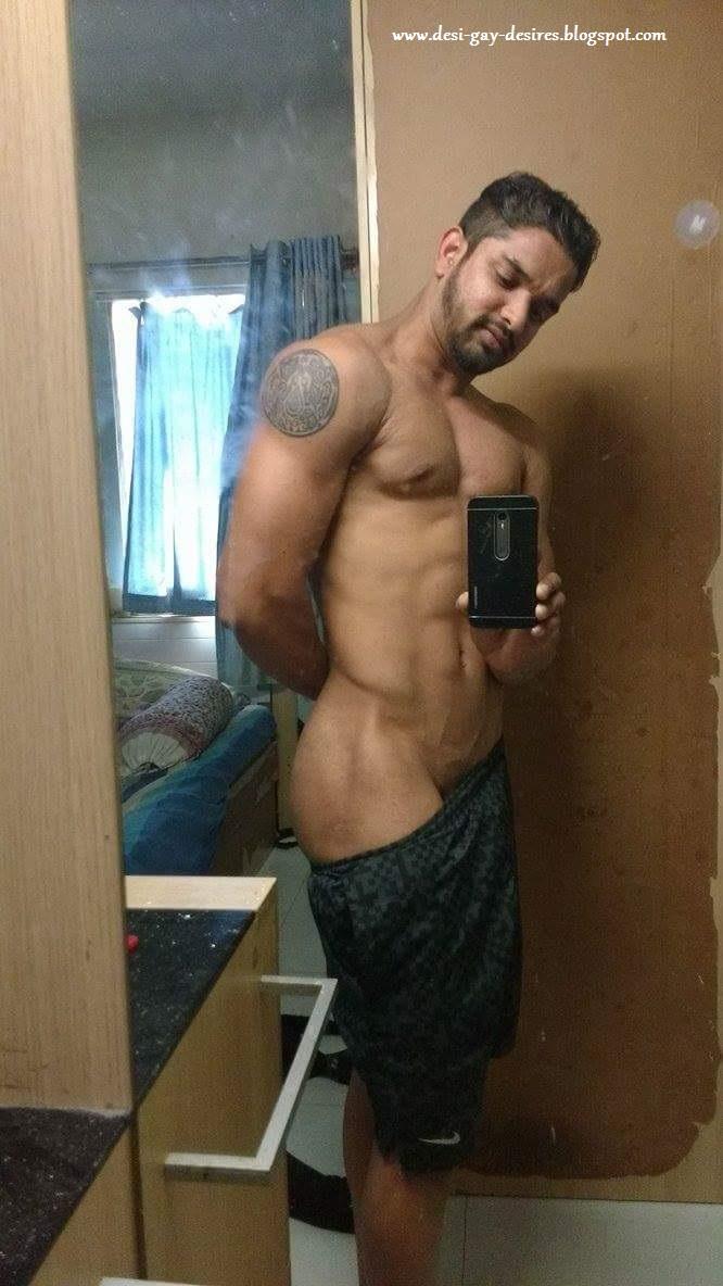 Desi Gay Desires: De-Selfie Naked 6