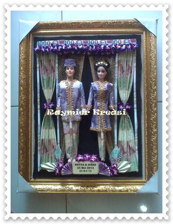 Mahar Boneka Barbie dalam Bingkai