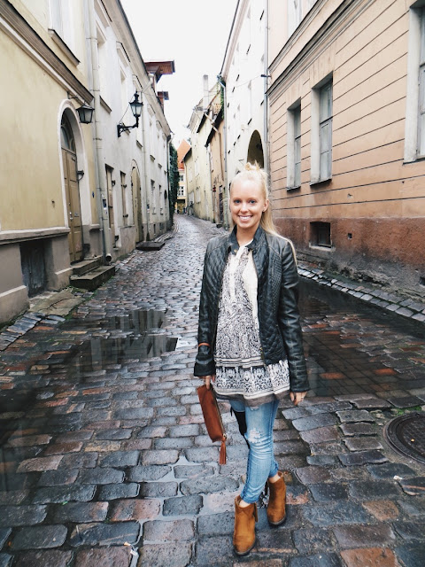 Ash & Rose fair trade tunic, Jord watches Ely wood watch, Meital Lev handmade leather bag, old town tallinn, estonia, tallinn travel tips, travel outfit