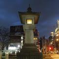 石灯籠,夜景,表参道駅前〈著作権フリー無料画像〉Free Stock Photos