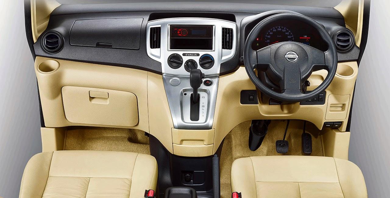 Dashboard dan ruang kemudi New Nissan Evalia