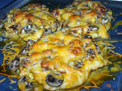 Best recipes in world: Cheesy Smothered Chicken