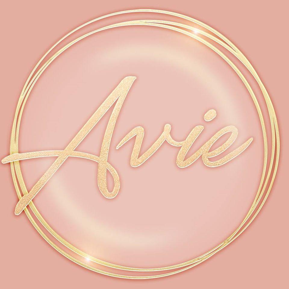 {Avie}