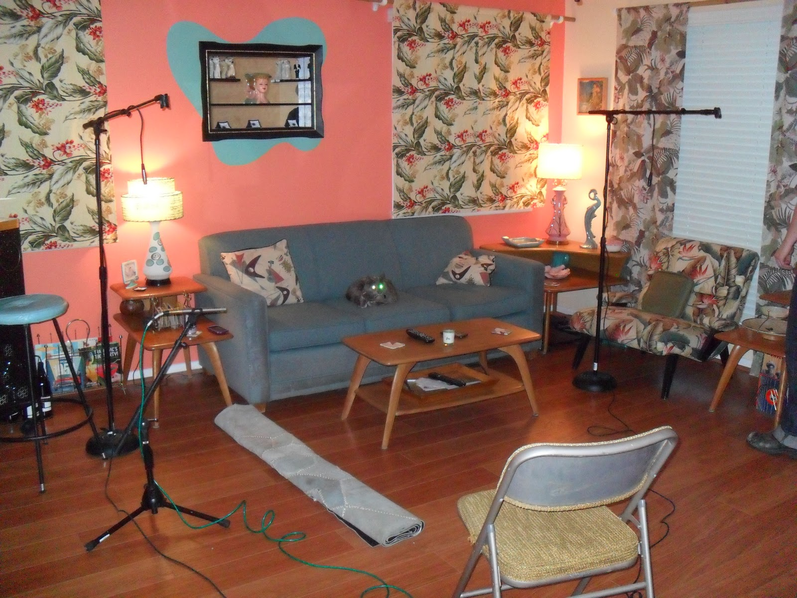 Http Missdolliedeville Blogspot Com 2012 01 Doll House Turned Recording Studio Html