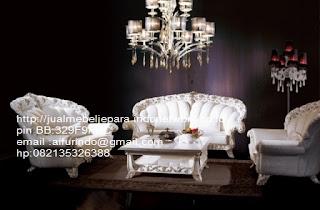 Jual mebel jepara,sofa klasik jepara Mebel furniture klasik jepara jual set sofa tamu ukir sofa tamu jati sofa tamu antik sofa jepara sofa tamu duco jepara furniture jati klasik jepara SFTM-33034 sofa tamu klasik modern