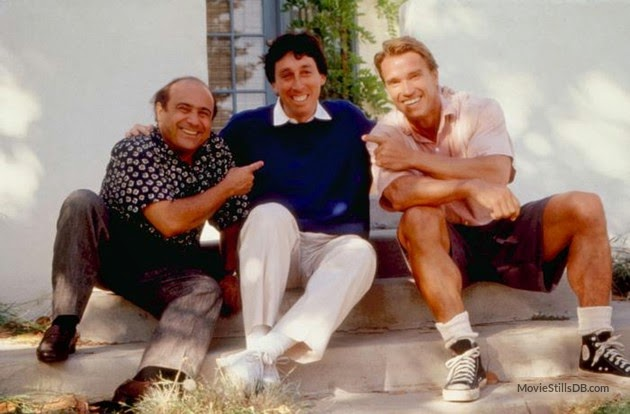 Danny Devito, Ivan Reitman and Arnold on the set of the movie Twins.