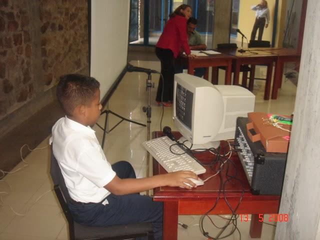 RADIO PASILLO EN UN ENCUENTRO DE ESCUELAS BOLIVARIANAS SAN CARLOS 2008