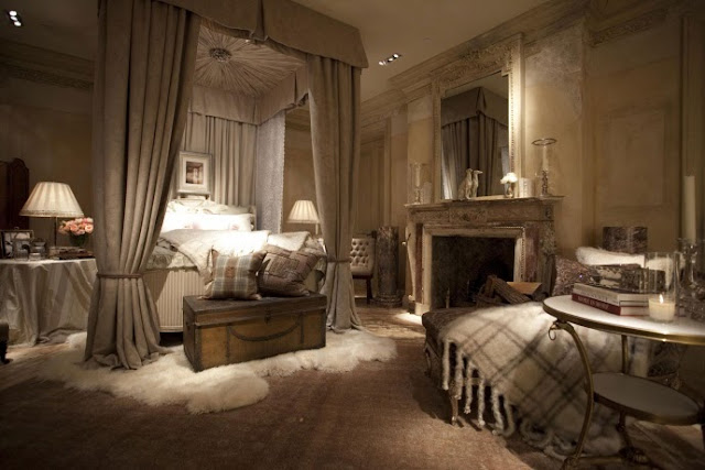 ... Of Furniture, Plus Vintage And Antique Items Thrown In To Create The Ralph  Lauren Experience. Even Full Rooms Of The Most Feminine Of The Furniture ...