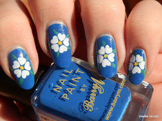 inspired-by-flag-day-28-of-31-day-challenge-yorkshire-flag-nail-art