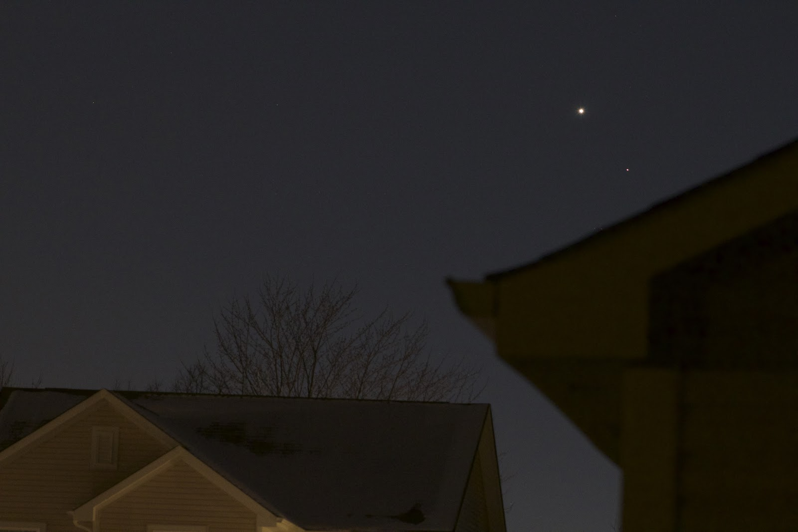 mars and venus low horizon