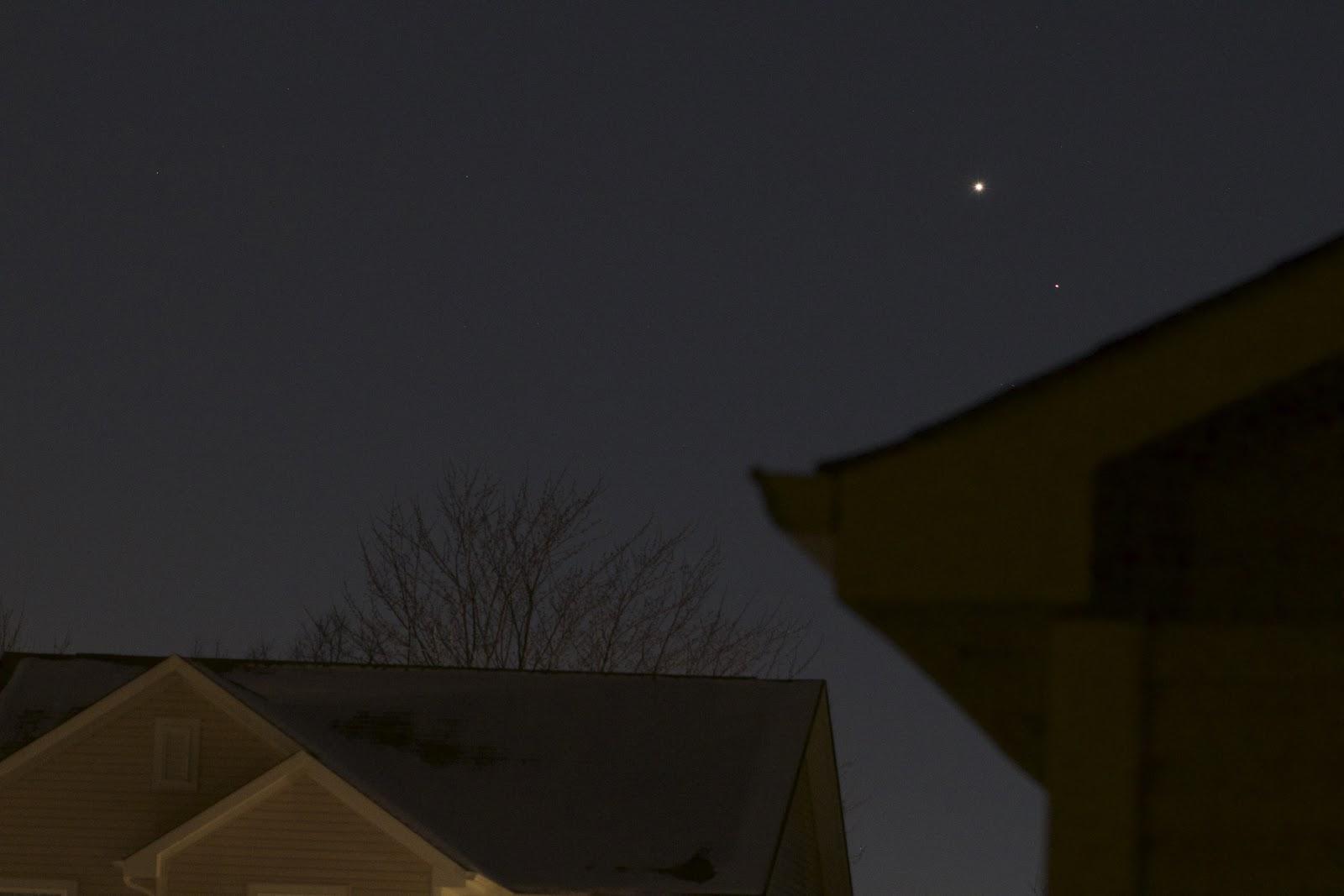 mars and venus low horizon