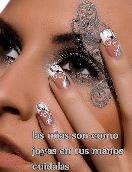 Las uñas esculpidas son joyas cuidalas!