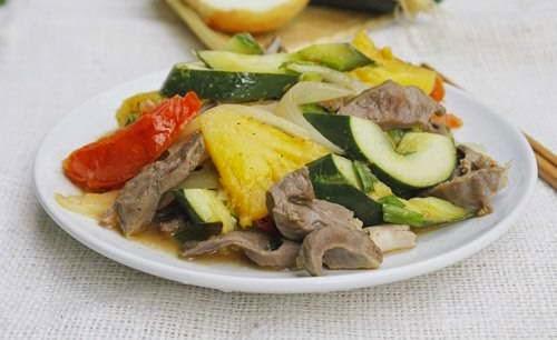 Vietnamese Food Culture - Tim Heo Xào Chua Ngọt