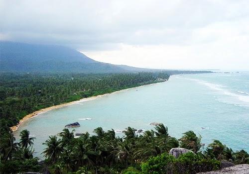 Menyambangi Keindahan Pantai Di Kepulauan Natuna Riau