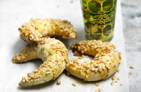 LEBANESE RECIPES: Almond pastries with mint tea recipe