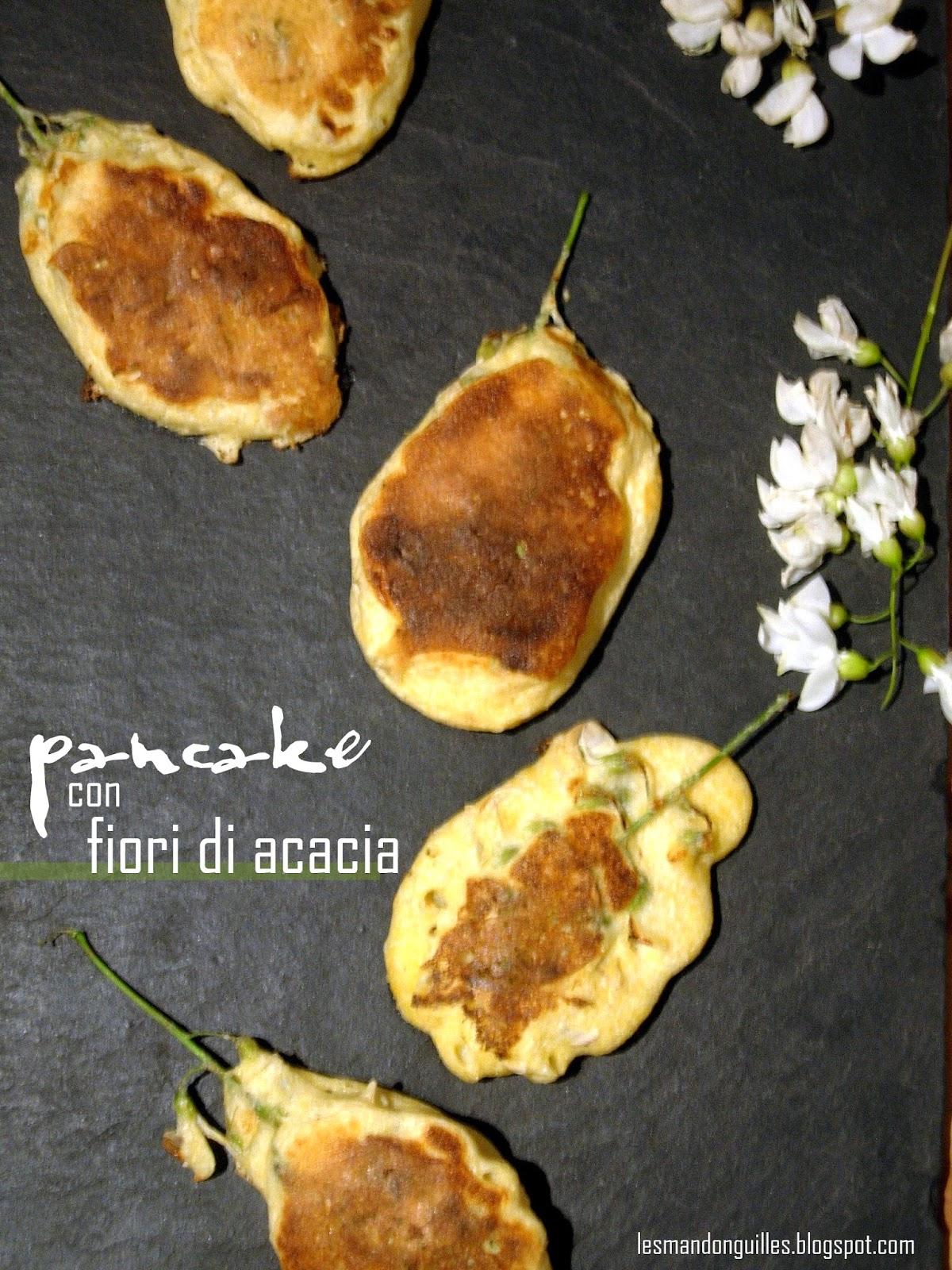pancake di polenta con fiori di acacia e sciroppo d'acero