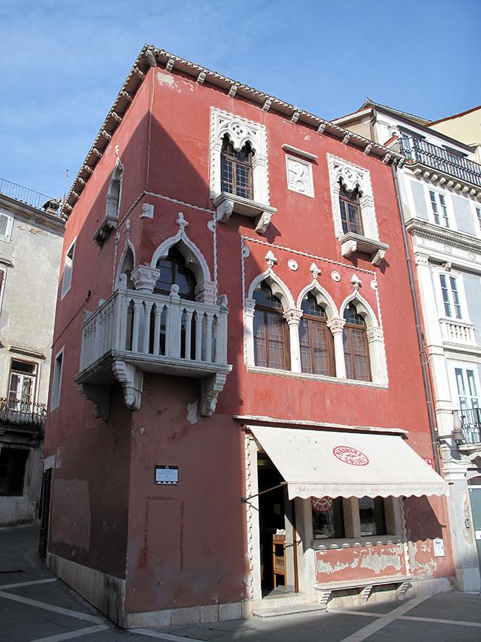 Rosso veneziano stepp 22 il colore in architettura for Casa di architettura gotica