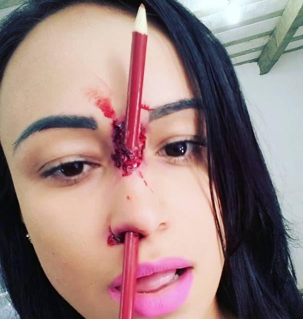 maquiagem lápis no nariz