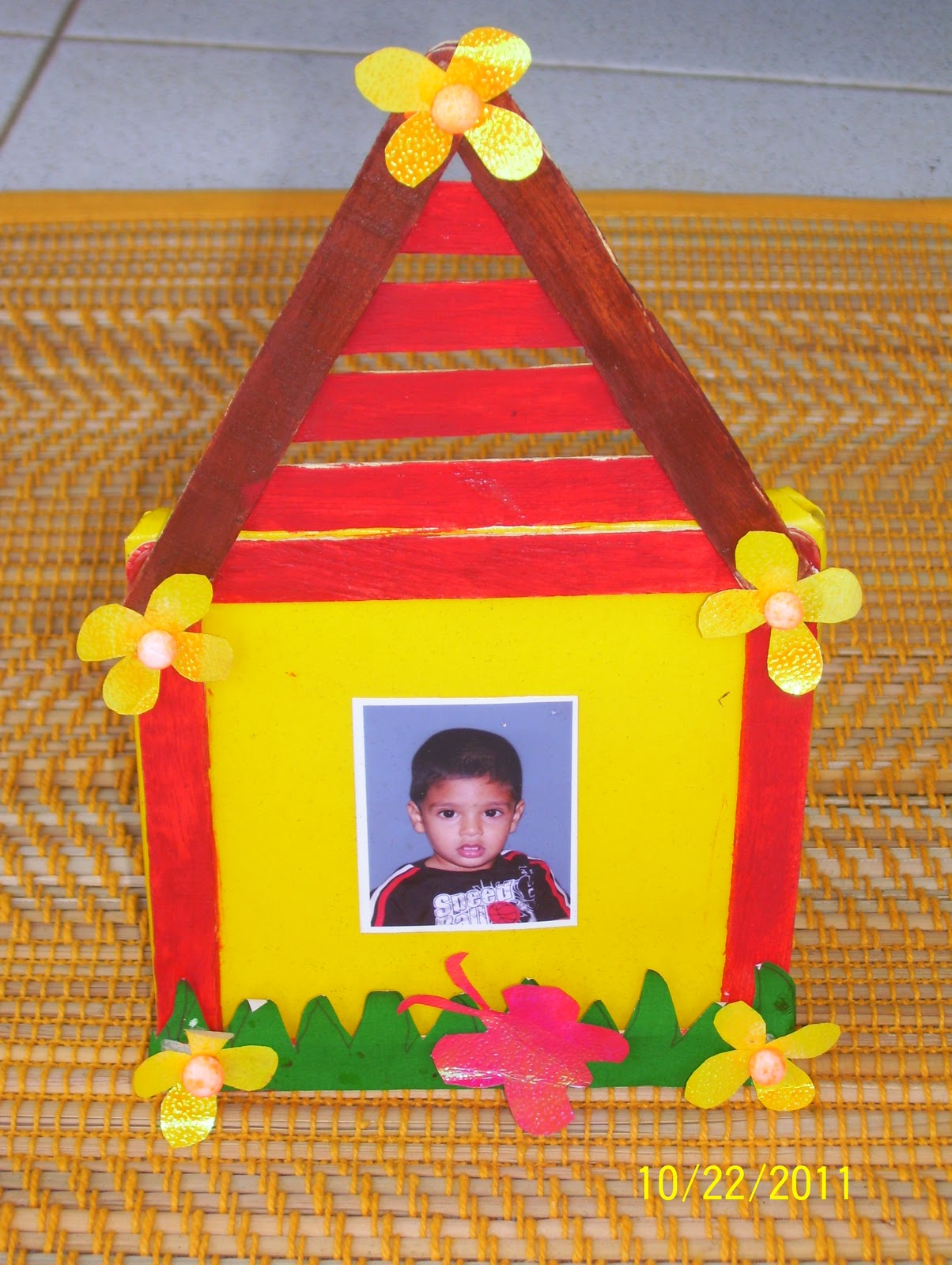 Craftis corner photo frames for Best out of waste ideas for class 5 in craft
