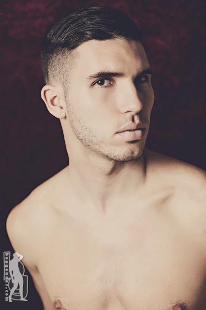 desnudo, gay, Hombre, Homoerotico, Homosexual, Matt, miembro viril, modelo, stripper, tatuado,