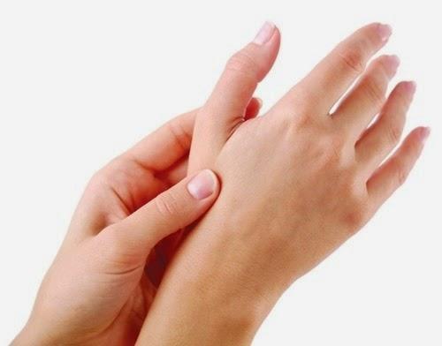 Cách khắc phục khi bị cước chân tay mùa lạnh