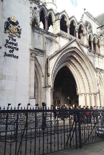 The LOOK Show: Royal Courts of Justice