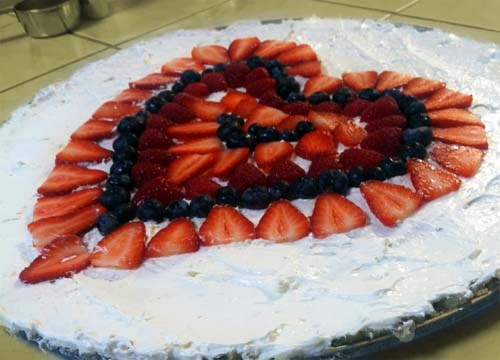 Valentine's Day Fruit Pizza