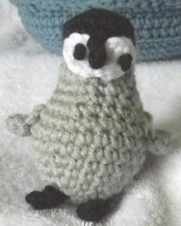 http://www.ravelry.com/patterns/library/endangered-baby-animals--iceberg-toy-bag
