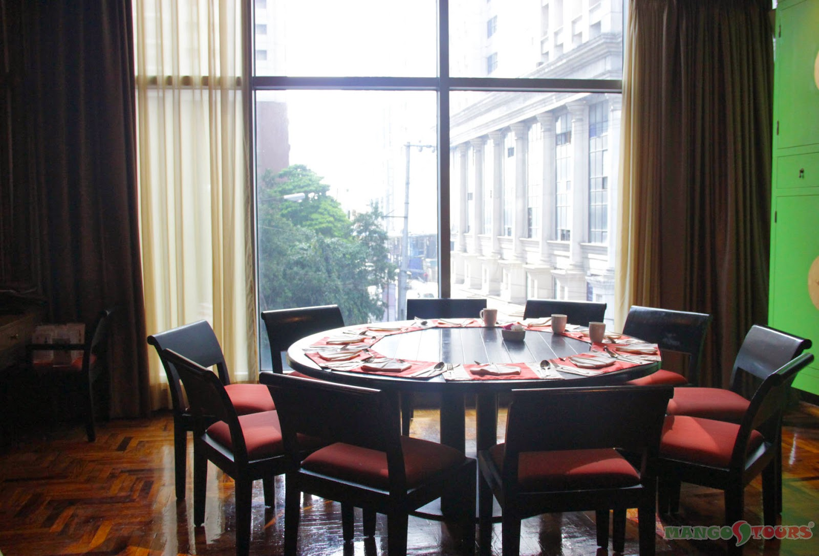 Mango Tours Crowne Plaza Manila Galleria Hotel Philippines Seven Corners Restaurant