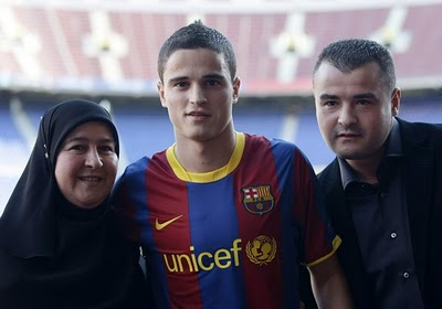 Family photo of the football player, dating Dorien Rose Duinker, famous for Dutch National Team & FC Barcelona.