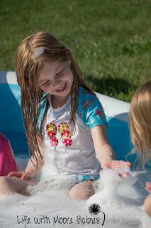 Super Bubbly Pool