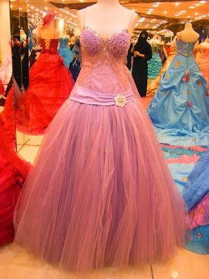 Model gaun pesta masa kini 2015