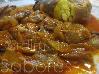 Pleurotus Estufados com Batatas Grelhadas